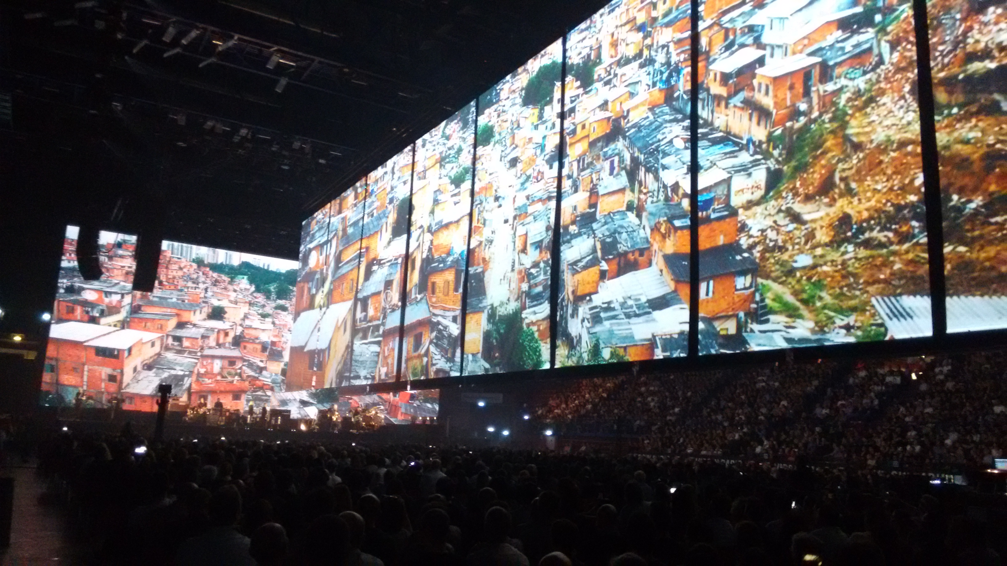 Roger Waters US+THEM TOUR 2018 Milano Mediolanum Forum Assago 17 aprile 2018